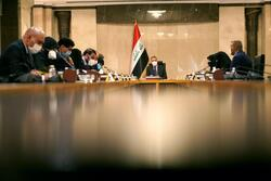 """الكاظمي يعدُّ الازمة المالية """"فرصة"""" لمواجهة سوء الادارة والفساد في العراق"""