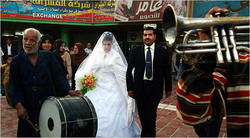 محافظة عراقية تعلق تنظيم عقود الزواج وجانب من بغداد يخلو من كورونا