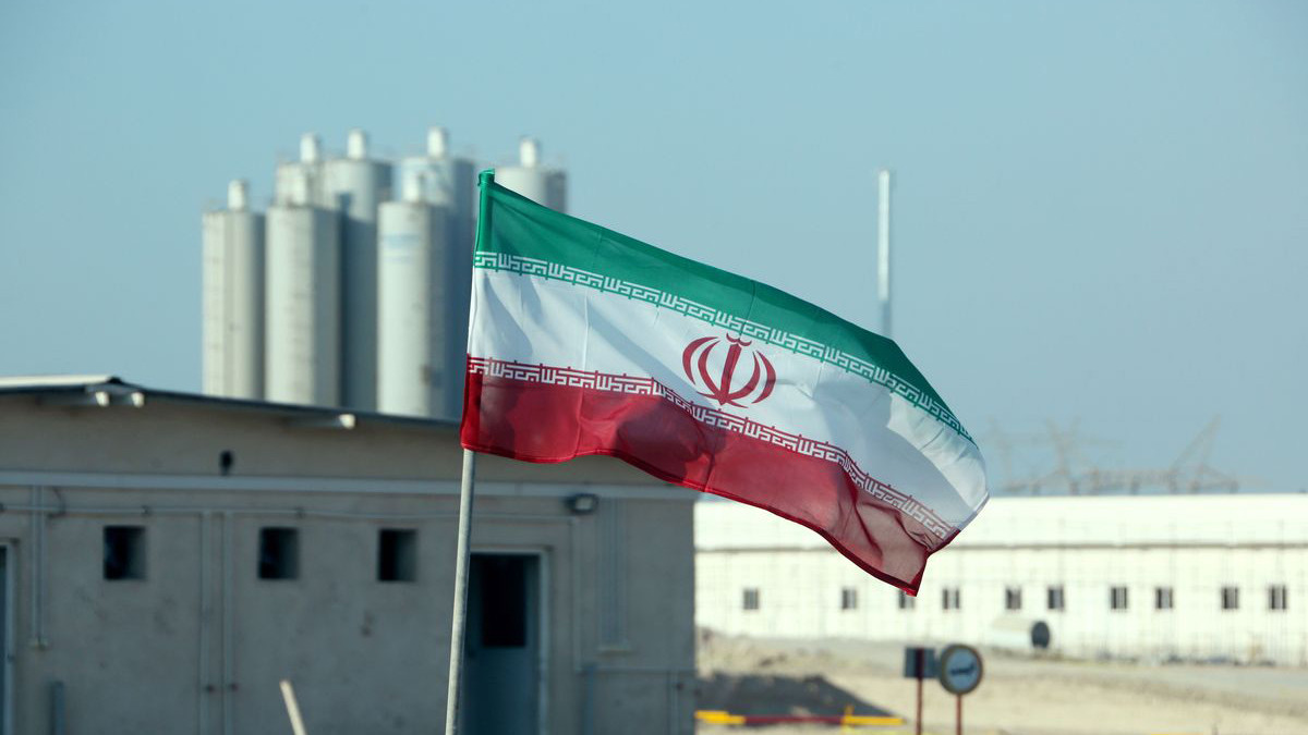واشنطن تفصح عن استراتيجيتها تجاه إيران عشية انتهاء مهلة حظر الأسلحة