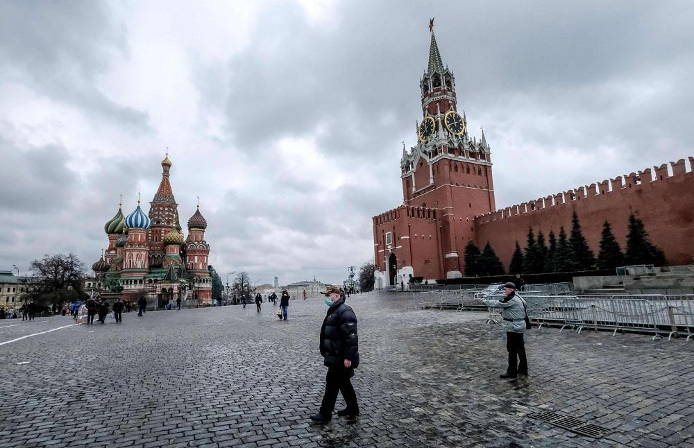 Russia suspends flights