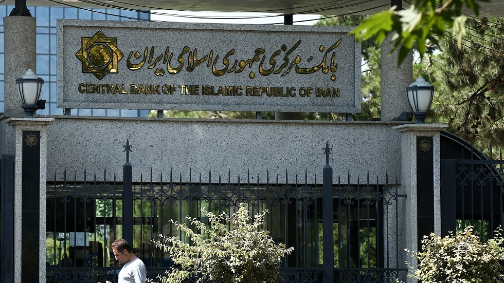 رئيس البنك المركزي الإيراني يزور العراق