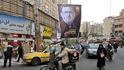 خامنئي اول المشاركين بالانتخابات الايرانية: التصويت واجب ديني