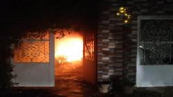 Iraqi civil defense contains fires in Badr organization headquarters