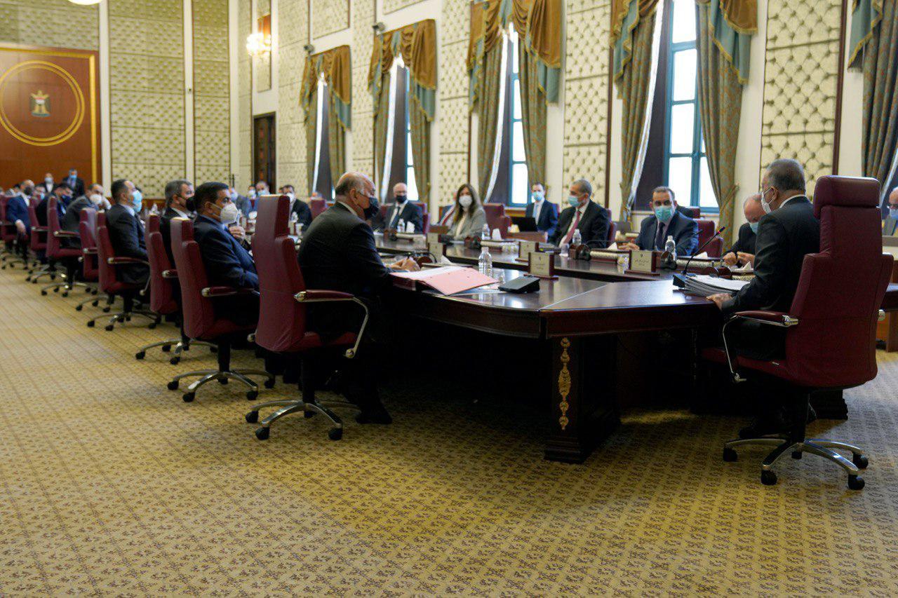 حكومة الكاظمي تناقش 17 ملفا وتتخذ قرارات بشأنها