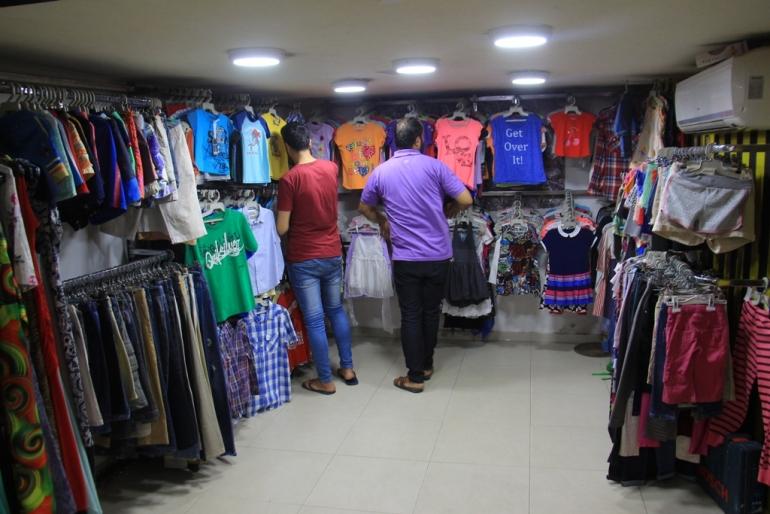 إيران تعتزم تصدير ما قيمته 150 مليون دولار من الألبسة للعراق