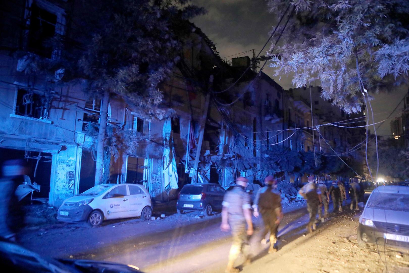 بعد شهر على انفجار بيروت.. رصد نبضات قلب تحت الأنقاض
