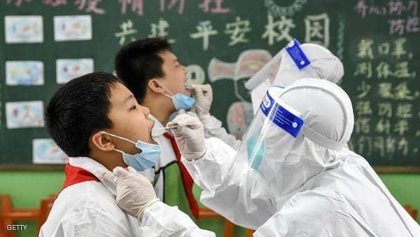الصين تتهم دولاً أخرى بتصدير كورونا إليها