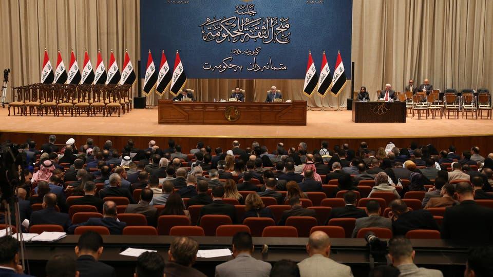 """برلمانيون عراقيون """"خائفون"""" من كورونا يوجهون ضربة للعمل التشريعي"""