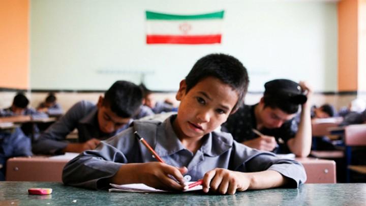 Amid virus concerns, Iran begins new school year