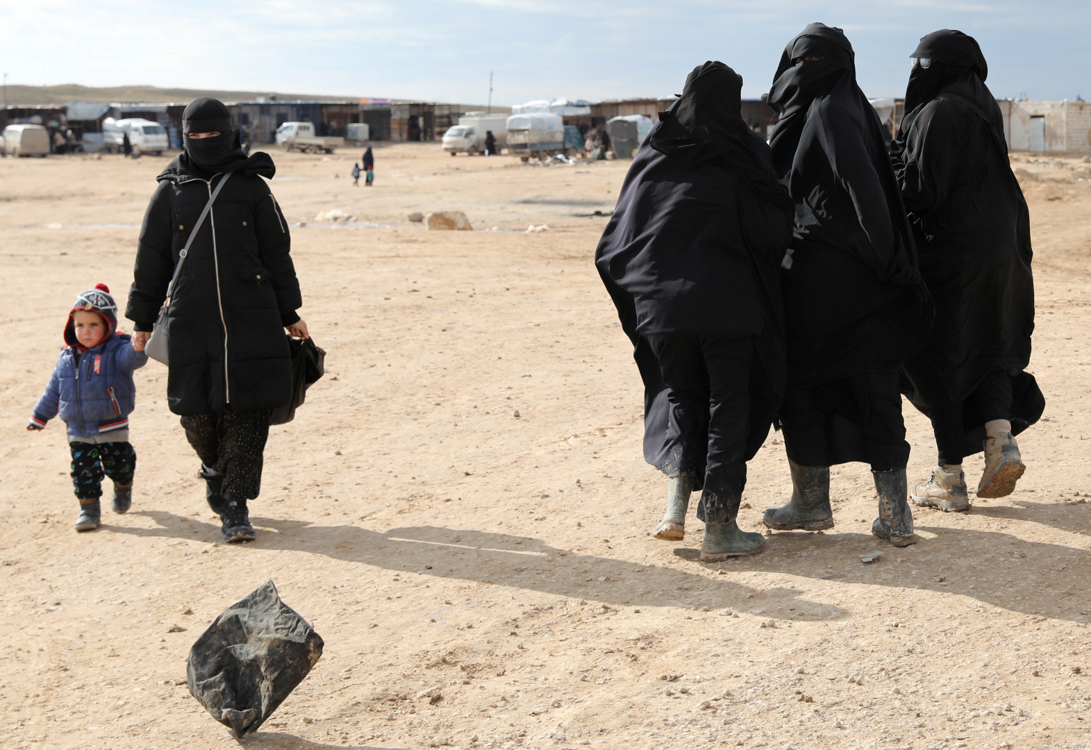 العراق يحبط عملية داعشية لإدخال نساء واطفالهن ويقبض على عناصر بالتنظيم