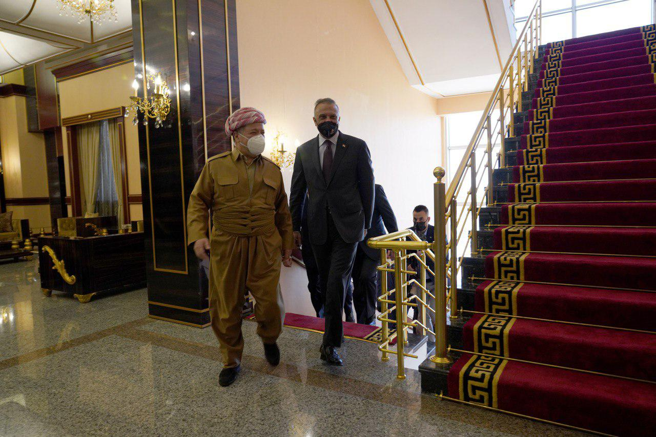 Al-Kadhimi visits border crossing with Turkey