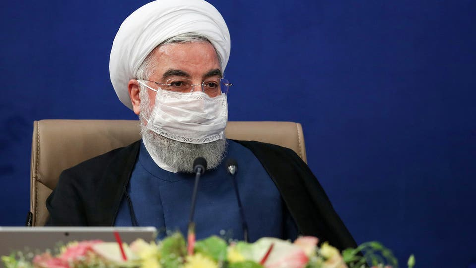"""البرلمان الايراني يحيل ملف روحاني الى القضاء """"لانتهاكه الدستور"""""""