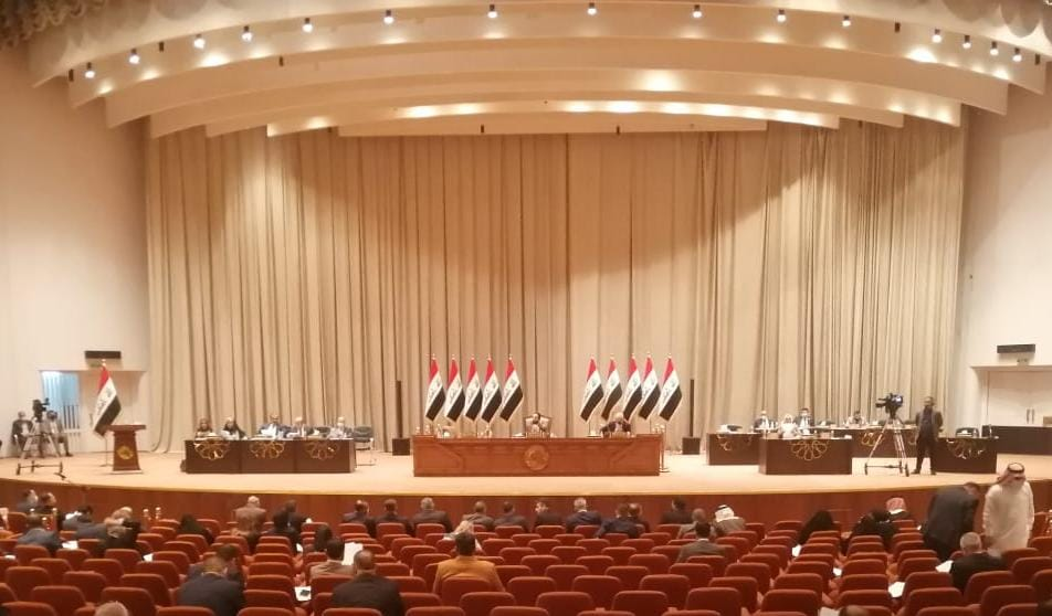 The Iraqi parliament moves to change the price of oil in the budget