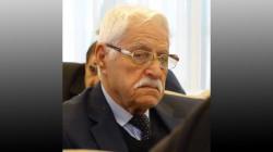 وفاة رئيس إتحاد الأدباء الكورد