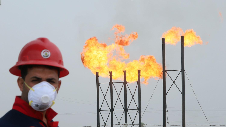 تراجع أسعار النفط مع تفشي فيروس دلتا شديد العدوى