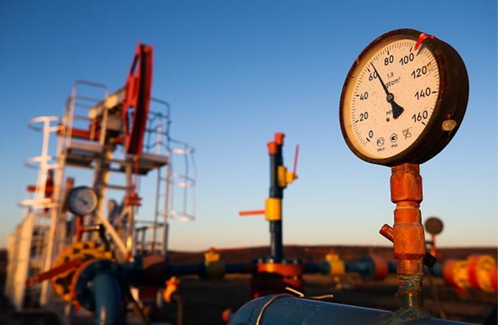 النفط يرتفع بفعل تراجع كبير في المخزونات الأمريكية