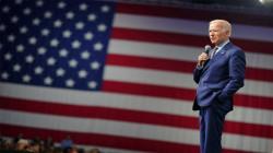 """بايدن يشعر بـ""""الأرتياح"""" .. ترامب: الديمقراطيون يسرقون الإنتخابات"""