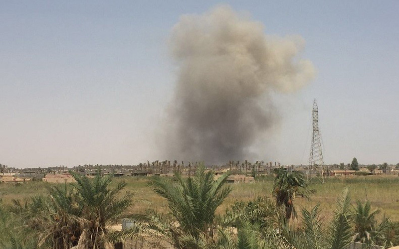 The Iraqi army destroys ISIS equipment and weapons south of Baquba