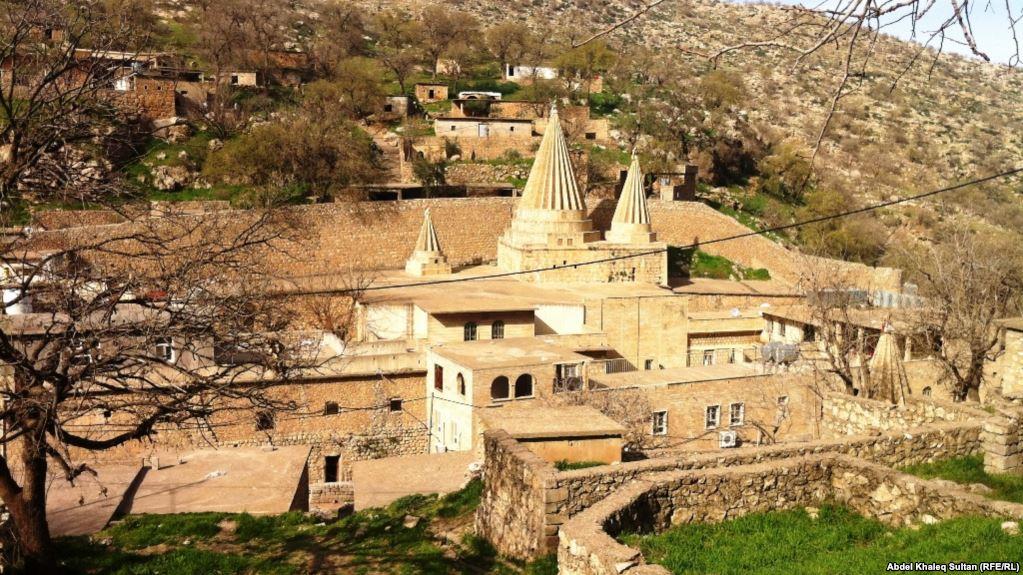 الإيزيديون يسجلون أول إعتراض على اختيار الأب الروحي الجديد
