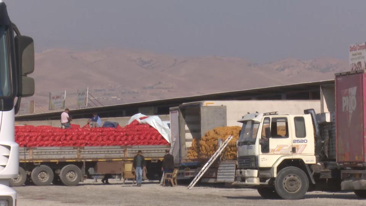 اقليم كوردستان يعيد قرابة 100 الف طن من البضائع المختلفة الى تركيا