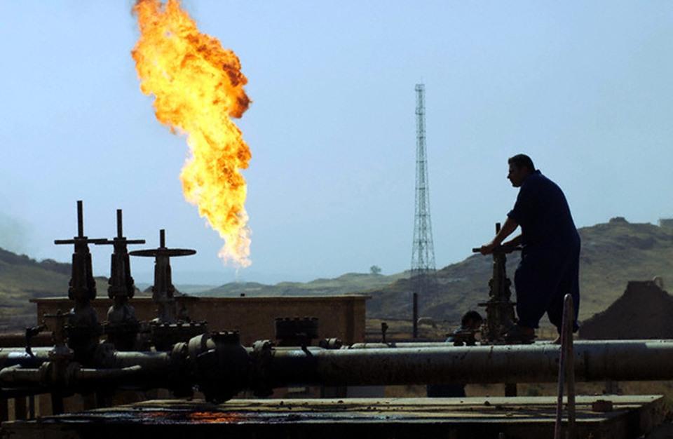 الصين تستعد لإنقاذ العراق بصفقة نفط بمليارات الدولارات