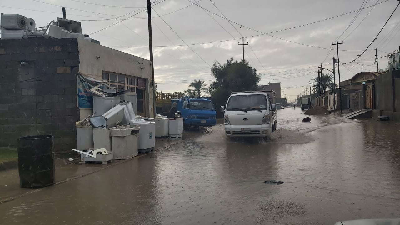 متنبئ جوي يحذر العراقيين من موجة امطار غزيرة