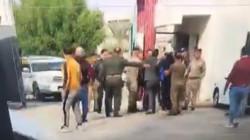 شجار وتدافع في باب الاولمبية.. الحراس يمنعون سرمد عبد الاله من الدخول (فيديو)