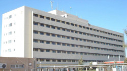 صور .. إصابة موظفين واضرار فادحة بمستشفى في أربيل باعتداء ذوي متوفٍ بكورونا