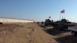 """""""الاسايش"""" تحفر خندقاً أمام معبر عسكري تركي.. فيديو"""