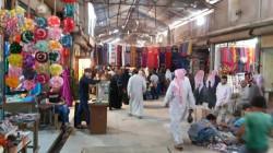"""لمواجهة الغلاء.. سوق """"البالة"""" ينتعش في ظل ارتفاع الأسعار بمنبج السورية"""