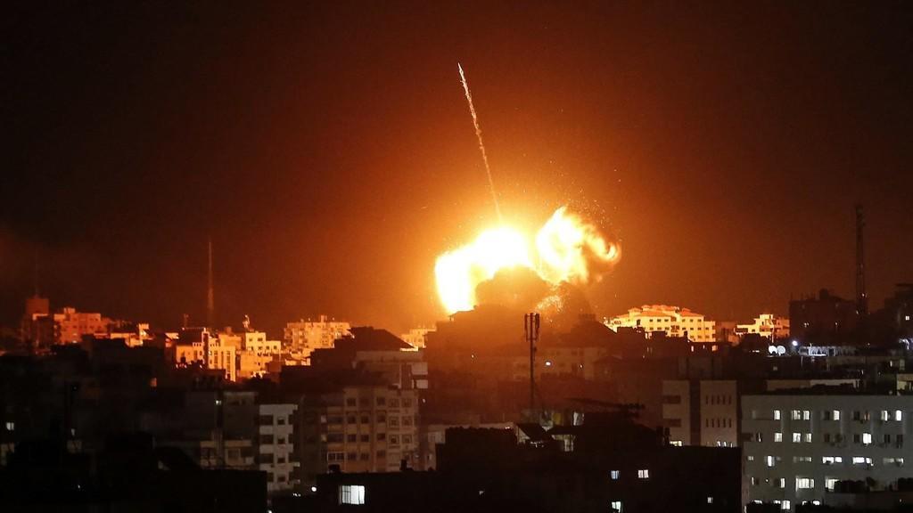مرصد: مقتل 9 اشخاص بالقصف الإسرائيلي لسوريا