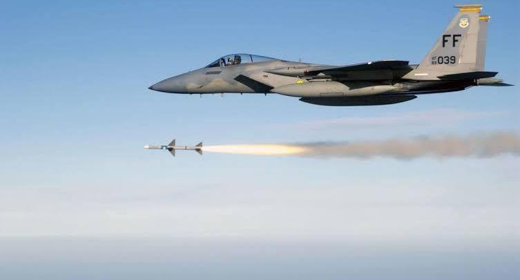 قصف دولي يستهدف موقعاً لداعش ويقتل اثنين منهم في كركوك