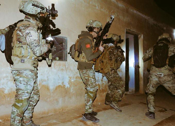 قسد تعلن إلقاء القبض على 14 عضوا من خلايا تنظيم داعش بدير الزور