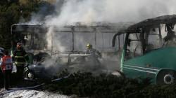 مقتل 9 أشخاص وجرح آخرين بهجوم على باصات سياحية في محافظة حماة
