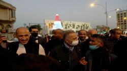 بالفيديو والصور.. الكاظمي يتجول وسط بغداد