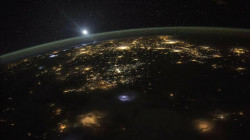 """عالم بارز يتحدث عن """"زيارة فضائية"""" لكوكبنا.. ويقدم """"الدليل"""""""