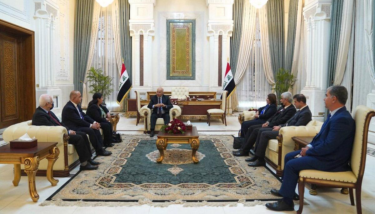 صالح يعد وفداً من إقليم كوردستان بتحقيق مطالبه