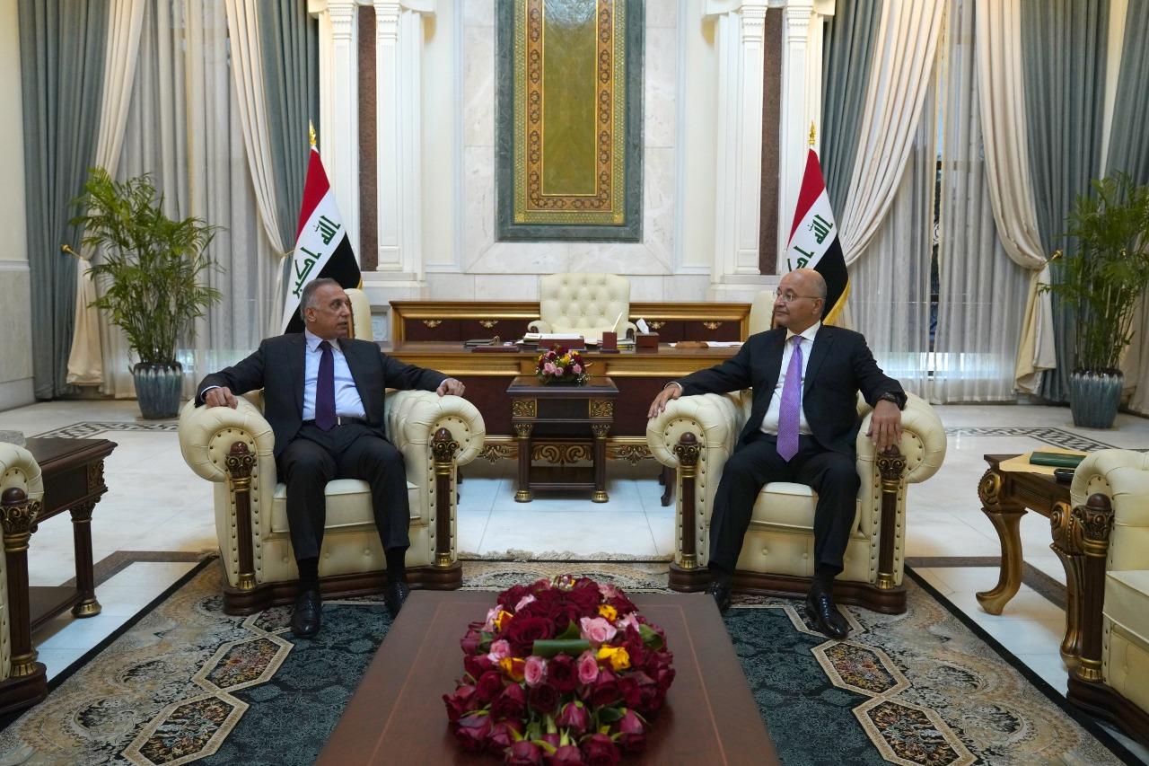 """صالح والكاظمي يجتمعان قبل النظر في """"إرجاء الانتخابات"""""""