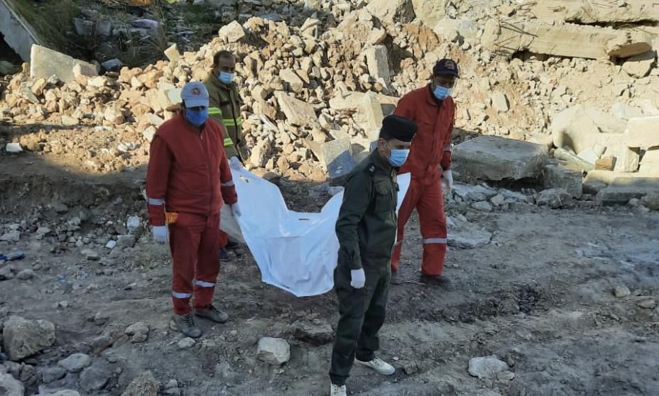 انتشال رفات 5 أشخاص من تحت أنقاض حرب الموصل