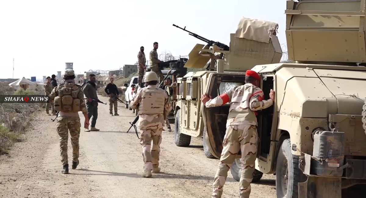 An ISIS group attacks a convoy of the Iraqi Army