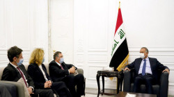 الكاظمي ورئيس توتال يبحثان تطوير قطاع الطاقة العراقي