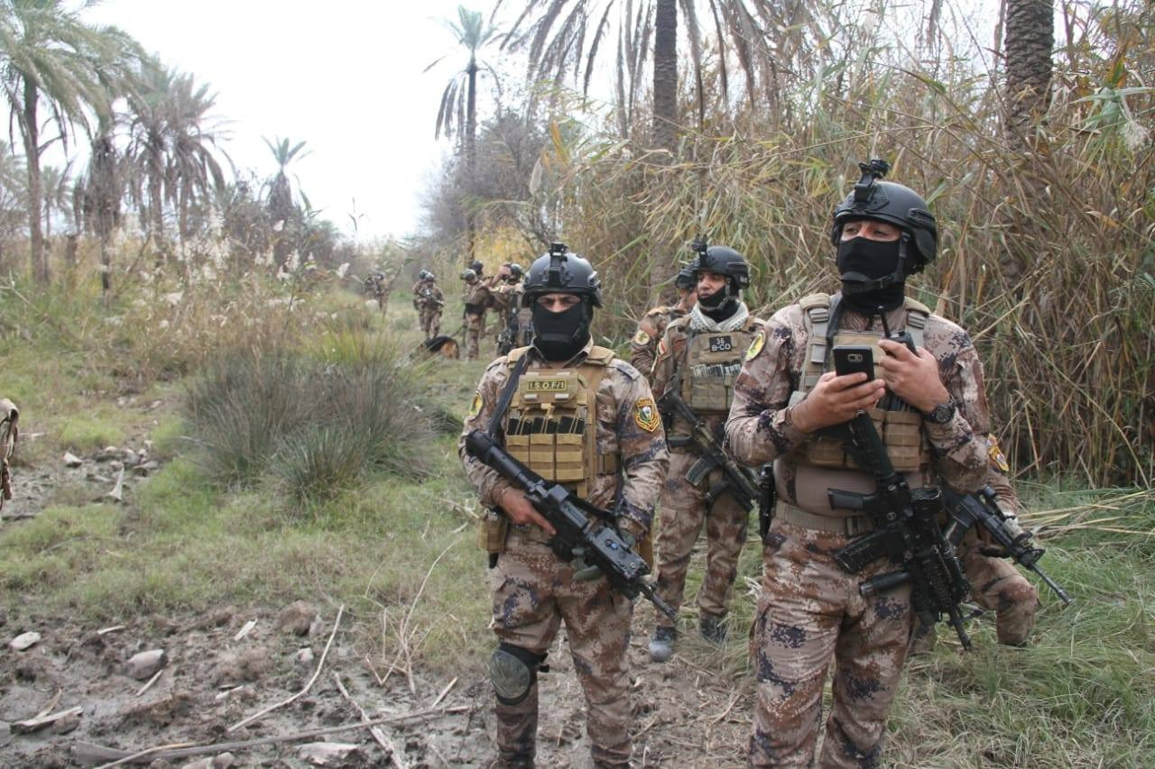 """ضبط 11 حزاما ناسفا في عمق صحراء الانبار يجهزها داعش لـ""""ولاية الجنوب"""""""