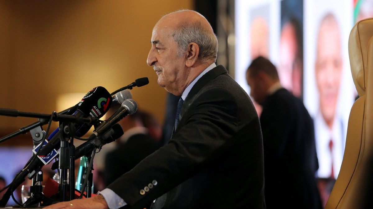الرئيس الجزائري يحل البرلمان ويدعو لانتخابات مبكرة