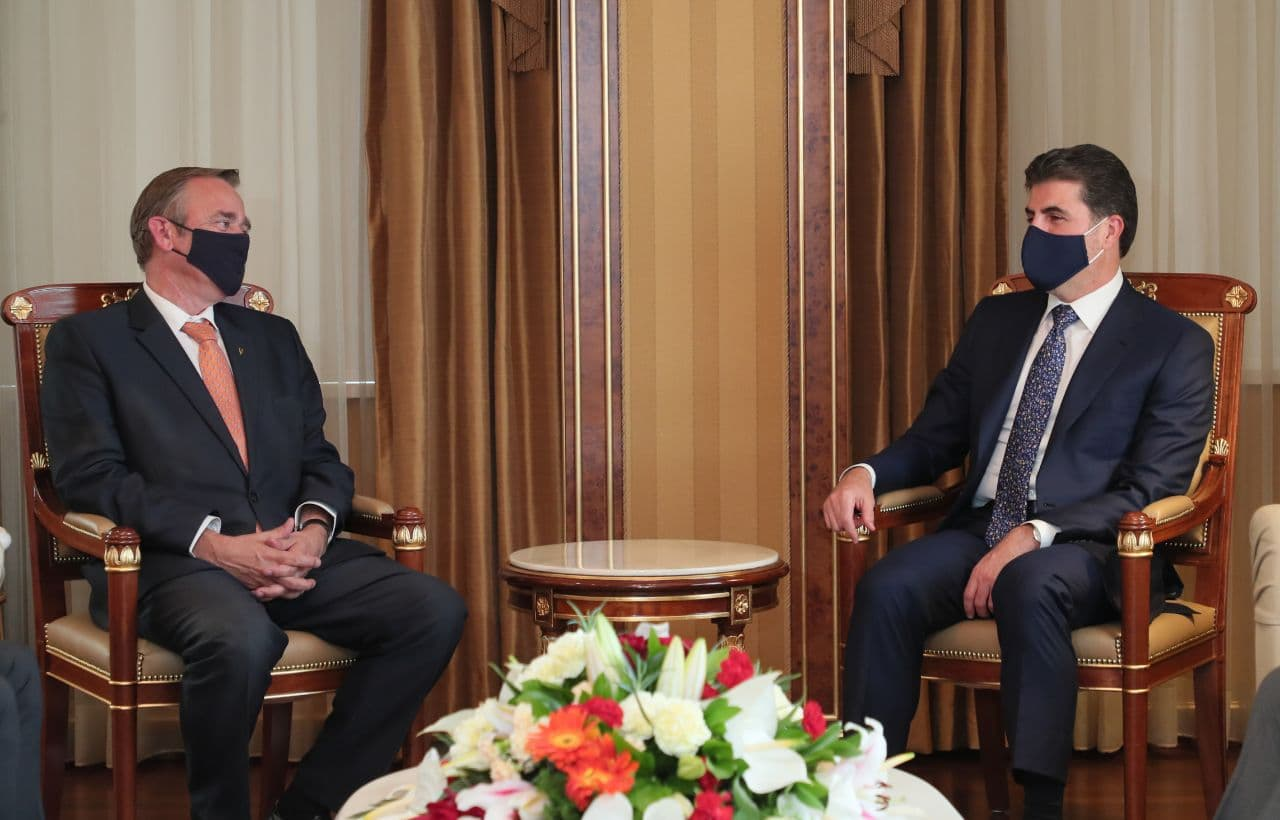 Barzani discusses with the Dutch Ambassador to Baghdad the country's latest developments