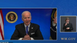 """""""بشكل غير مفهوم"""".. البيت الأبيض يقطع بثاً مباشراً لبايدن"""