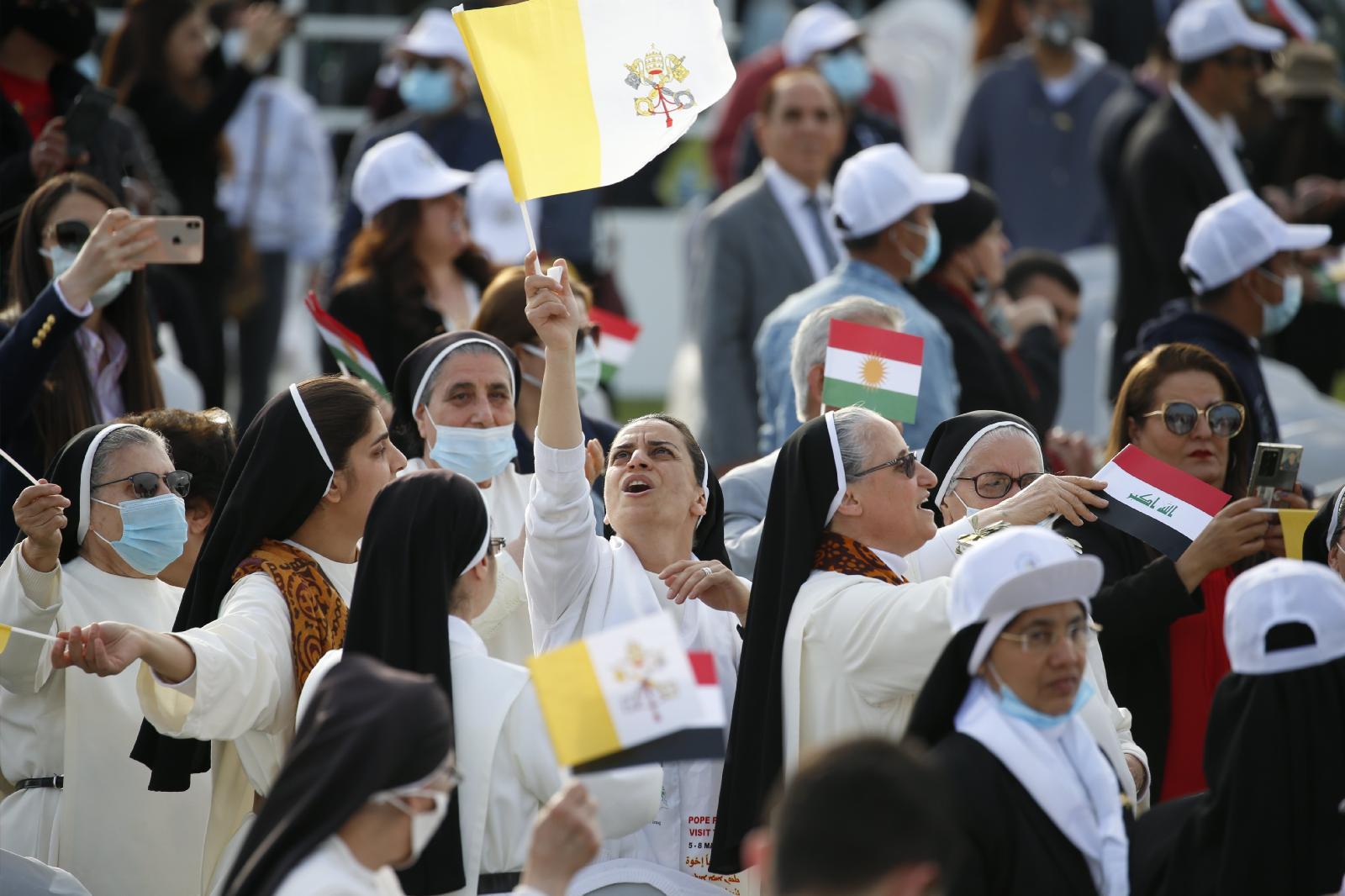 البابا فرنسيس يختتم قداسه بأربيل: العراق دائماً معي وأحيي الشعب الكوردي من القلب