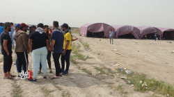 Young engineers and technicians still protesting around Dhi Qar oil refinery