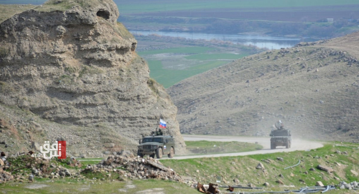 مقتل وإصابة 4 جنود روس بانفجار شمال شرق سوريا