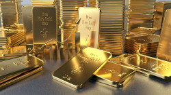 Gold prices slip as strong U.S. jobs data lifts yields, stocks