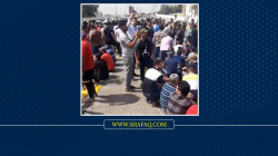 Angry protestors block al-Jumhuriyah bridge in Baghdad